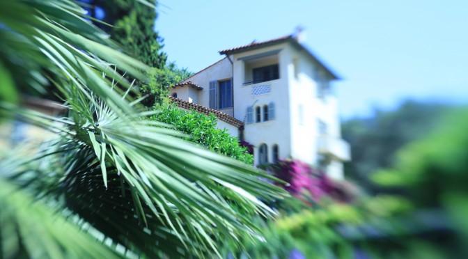 Cannes: vile pentru milionari construite fara permis de constructie