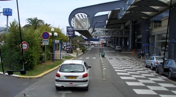 Nisa: Autobuze electrice-Navete la Aeroport