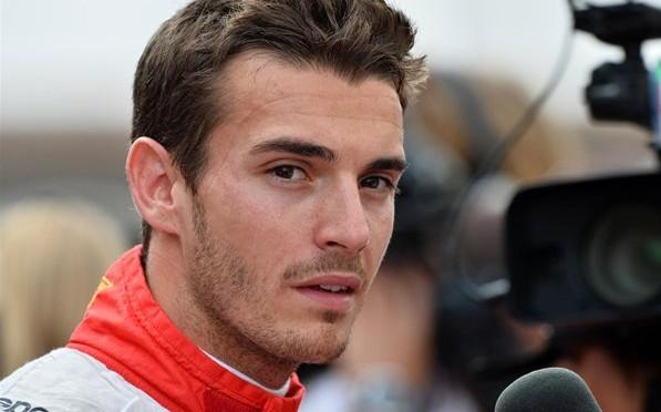 Pilotul de formula 1, Jules Bianchi a iesit din coma artificiala si a fost transferat in Franta